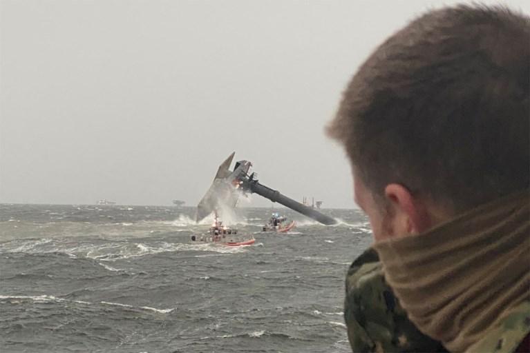 Satu tewas dan 12 hilang setelah kapal terbalik di lepas pantai Louisiana