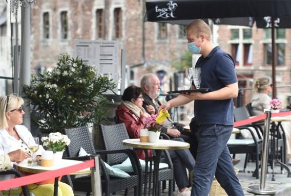 Tot hoe laat mogen de terrassen open straks, en met hoeveel mag je aan tafel?
