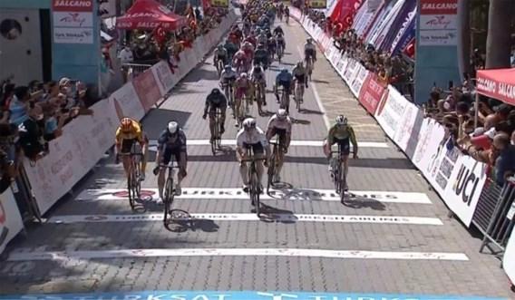 Jasper Philipsen haalt zijn gram in Ronde van Turkije en wint, na drie tweede plaatsen
