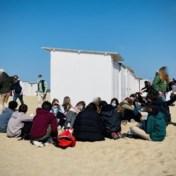 Opnieuw overlast door groepjes jongeren op dijk en strand in Knokke-Heist