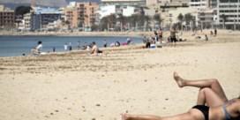 Van Gucht: 'Ik zou voorlopig wachten met reizen tot vaccinatiegraad stuk hoger ligt'