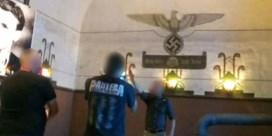 Hitlergroet, naziuniform en Duitse marsmuziek