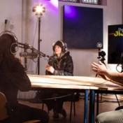 Met radio de indianenverhalen over jeugdvoorzieningen te lijf