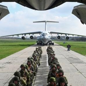 Rusland start vrijdag met terugtrekken van troepen aan grens Oekraïne