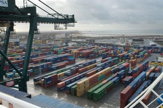 Tien transmigranten uit koelcontainer gehaald in Zeebrugge: 'Levensgevaarlijk'