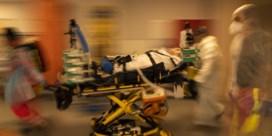 Minder covid-patiënten en toch meer druk op de ziekenhuizen
