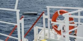 Vanuit een vliegtuigje zag Europa 130mensen verdrinken