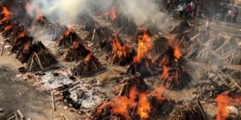 Crematoria in New Delhi overspoeld door covid-sterfgevallen
