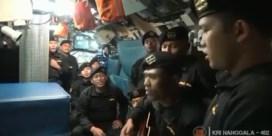 Bemanning gezonken Indonesische duikboot zingt afscheidslied