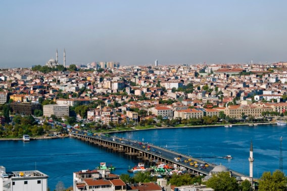Leraars organiseren illegale schoolreis naar Turkije