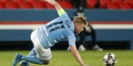 De Bruyne scoort 'stoemelings' en helpt Man City aan zege tegen PSG
