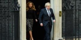 Hoe Boris Johnsons eeuwige geldzorgen hem zuur opbreken