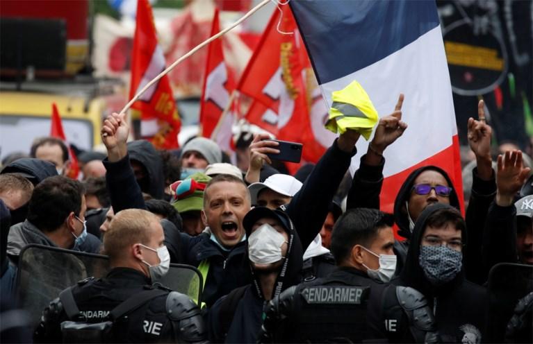 Milhares de pessoas na França foram às ruas em 1º de maio