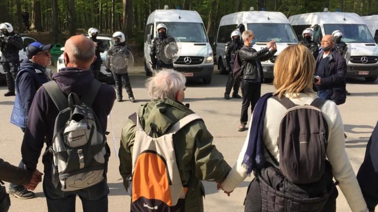 132 onruststokers opgepakt bij La Boum, 5 blijven in de cel