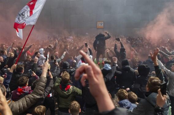 Ajax kroont zich met ruime winst 35e keer tot Nederlands landskampioen