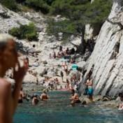 La douce France, met haar koude water en overvolle stranden
