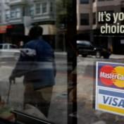 Europa zet aanval op MasterCard en Visa in