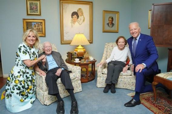 'Woont die man in een poppenhuis?': foto van Bidens met Carters gaat viraal