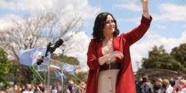 Conservatieve Ayuso wint in Madrid, tegenstander neemt afscheid van politiek