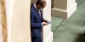 Kamervoorzitter knipt in wedde Theo Francken na tweet met 'geheime info'