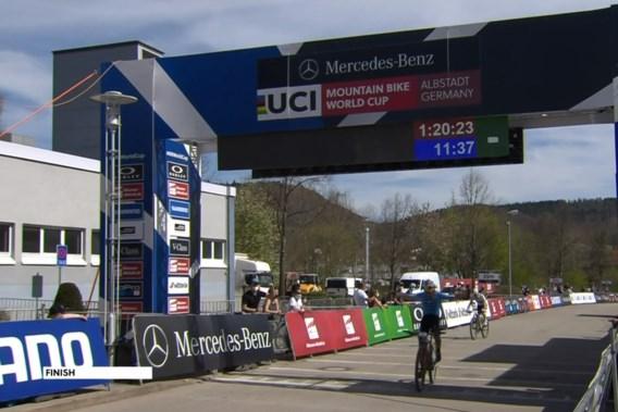 Victor Koretzky wint wereldbeker mountainbike in Albstadt, Pidcock sneller dan Van der Poel