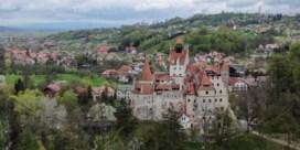 Dracula deelt prikken uit in kasteel