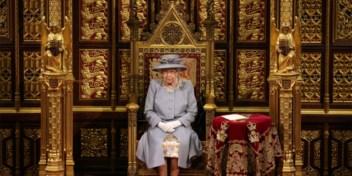 Queen Elizabeth heropent Brits parlement