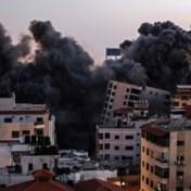 Appartementsgebouw stort in na bombardement in Gaza