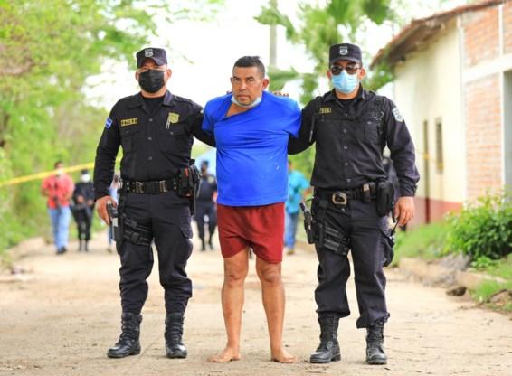 Tien lijken in tuin van oud-politieagent in El Salvador
