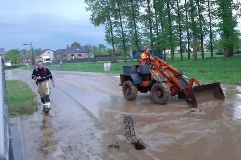 Onweer leidt tot wateroverlast en bliksemschade