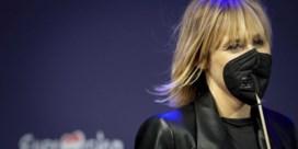 Waarom Geike Arnaert een bijzonder mondmasker draagt op Eurosong