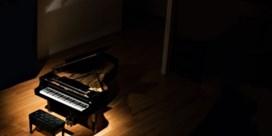 Jonge pianisten coveren Avicii op de piano