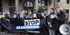 Rechter hekelt slogan 'Stop Islamisering'
