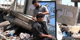 Palestijnse kapper werkt tussen het puin: 'Ik moet alles heropbouwen'
