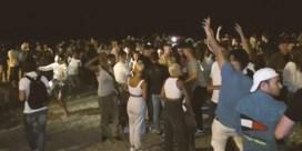 Barcelonese stranden ontruimd wegens enorme drukte en illegale feestjes