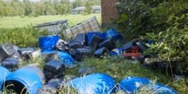 'Drugscriminelen dumpen afval zelfs in de riolering'