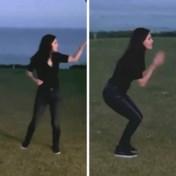 Courteney Cox en Ed Sheeran doen iconisch dansje uit 'Friends'