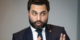 Brusselse hoofddoekdiscussie tast ook federale regering aan