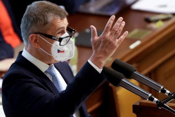 Tsjechische premier overleeft vertrouwensstemming