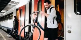 NMBS breekt stoelen uit om fiets meer plaats te geven op trein