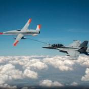 Primeur in luchtvaart: onbemand toestel tankt straaljager bij in de lucht