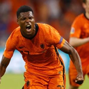 Nederland wint zijn eerste wedstrijd van Oekraïne met 3-2