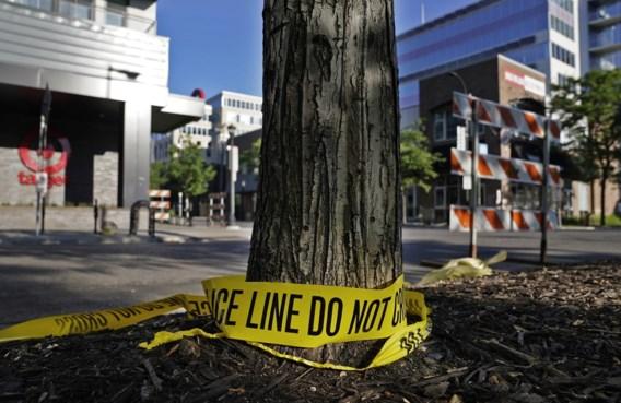 Auto rijdt in op antiracismebetoging in Minneapolis: een dode