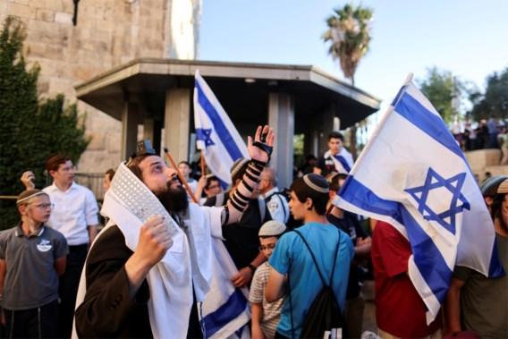 Duizenden Israëlische nationalisten nemen deel aan vlaggenmars door Jeruzalem