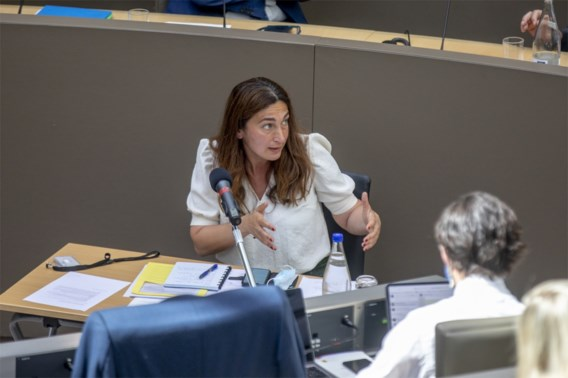 Vlaams Parlement stemt voor onderzoekscommissie naar PFOS-vervuiling