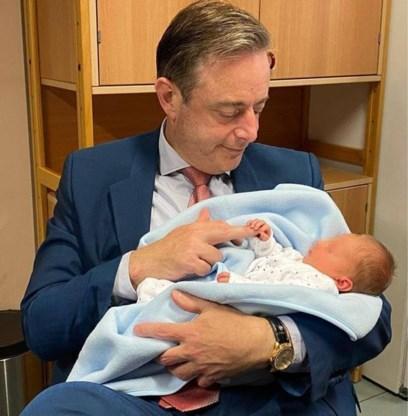 Baby gevonden in vondelingenschuif, De Wever tijdelijk voogd van 'Finn'