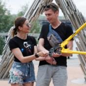 'Onafscheidelijk' koppel lost handboeien na 123 dagen en gaat uit elkaar: 'Doe dit niet na'