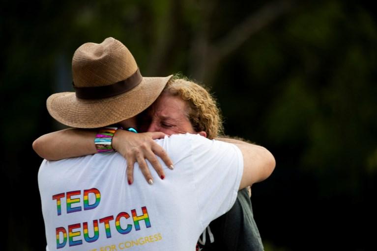 Automobilist rijdt in op omstaanders tijdens Pride-parade in VS: 'tragisch ongeval'