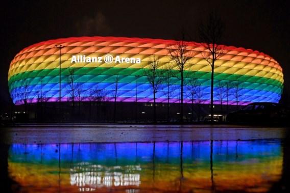 Duitse minister roept fans op: 'Kom met regenboogvlag naar stadion'