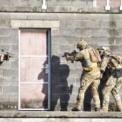 'Met 25.000 militairen kan leger uitdagingen niet aan'